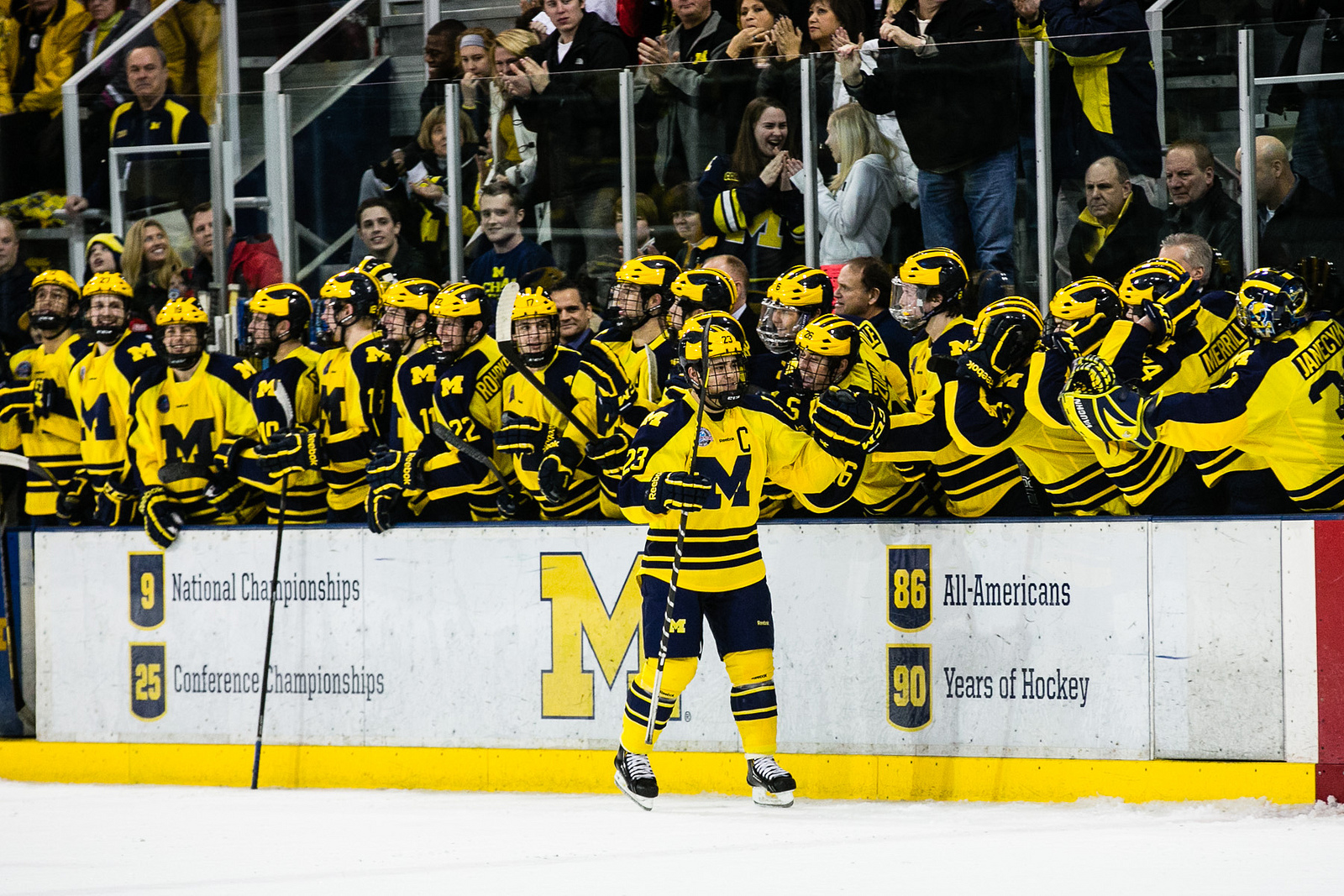 wolverines-bench-fsu
